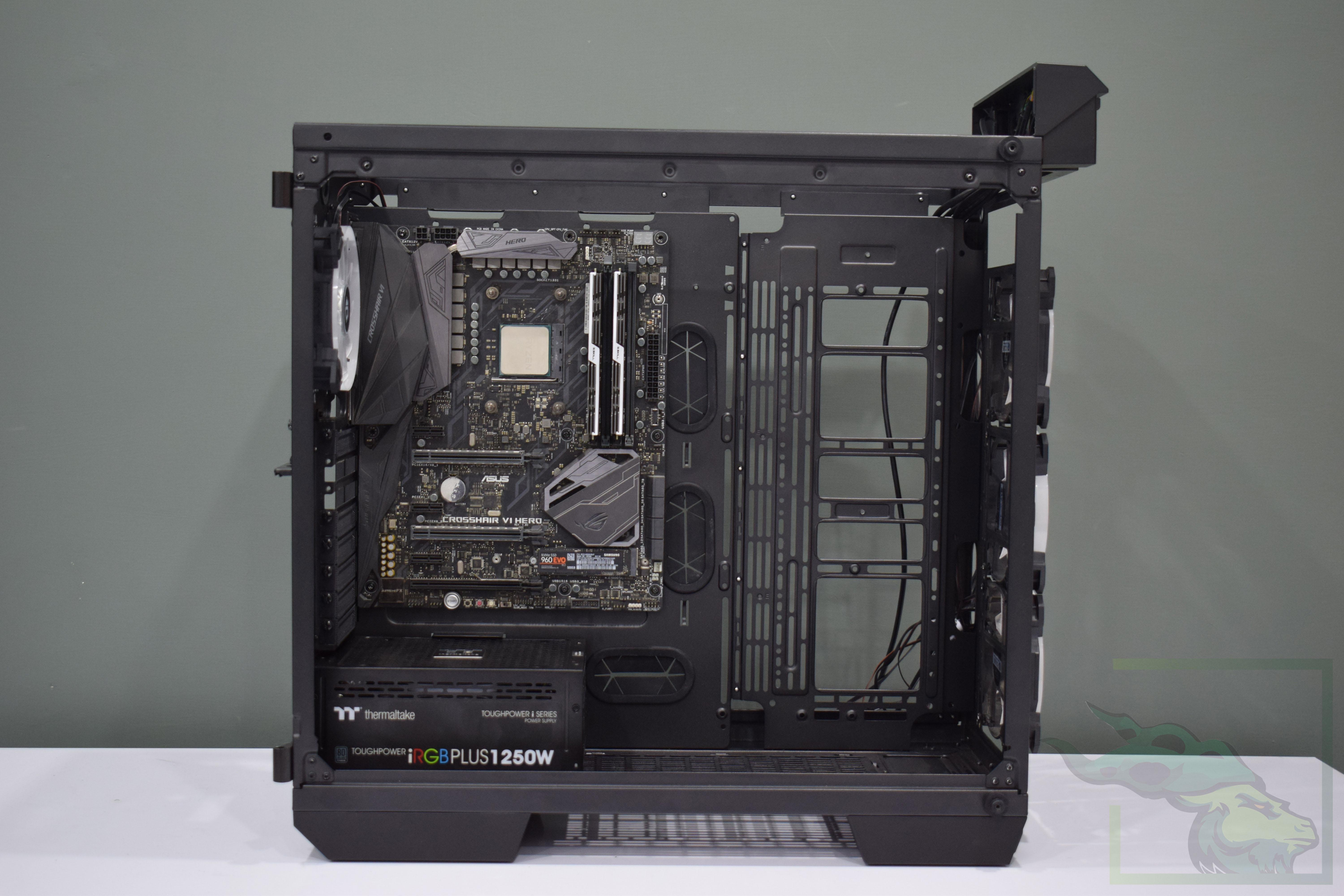 Thermaltake View 71 – 25
